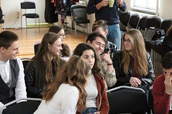 Zo stretnutia mládežníckych parlamentov.