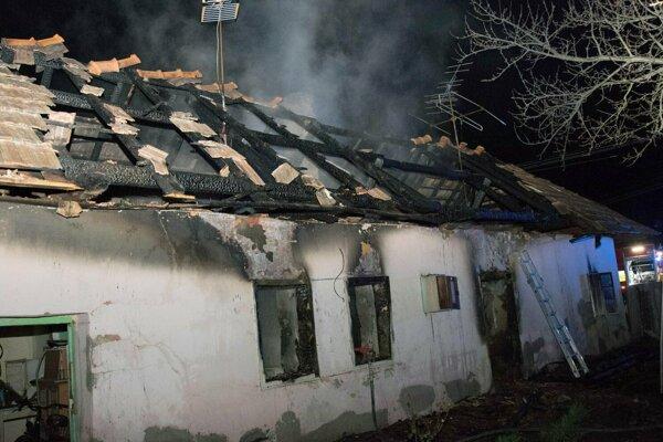 Požiar domu v Hornej Seči.