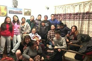 Dominikovi nepálski hostitelia.