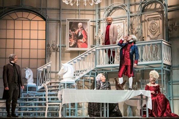 Dej muzikálu Mária Terézia sa začína po smrti manžela panovníčky Františka Štefana