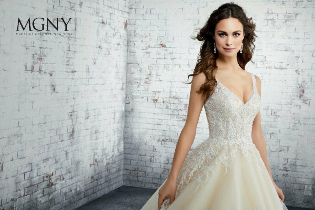 1ff4cf7311f7 Tradičné či extravagantné  V salóne White Rose si vyberie šaty snov ...