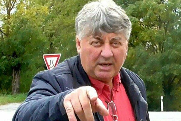 Starosta Tibor Kočiš. Prvým rozsudkom ho súd oslobodil, druhým uznal vinným.