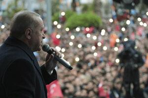 V Turecku sa v nedeľu konajú komunálne voľby.