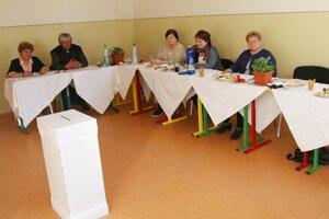 Vo volebnej komisii v Liptovskom Hrádku bolo veselo.
