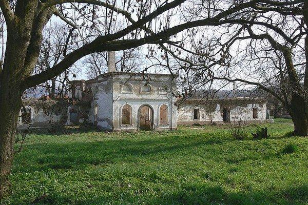 Kaštieľ v Širkovciach je v dezolátnom stave.