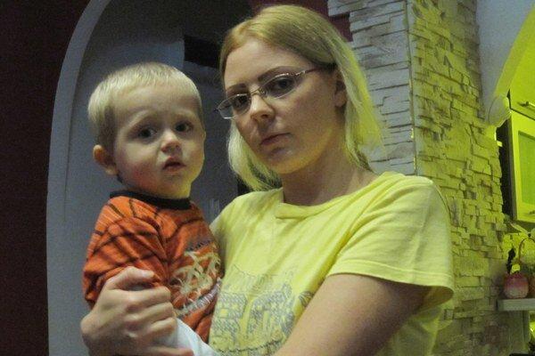 Prvé príznaky, že so Sebastiánom nie je niečo v poriadku, rodičia spozorovali, keď mal štyri mesiace.