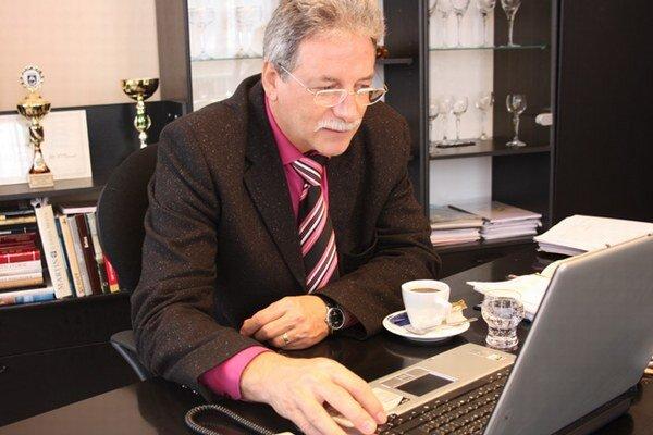 Peter Mináč