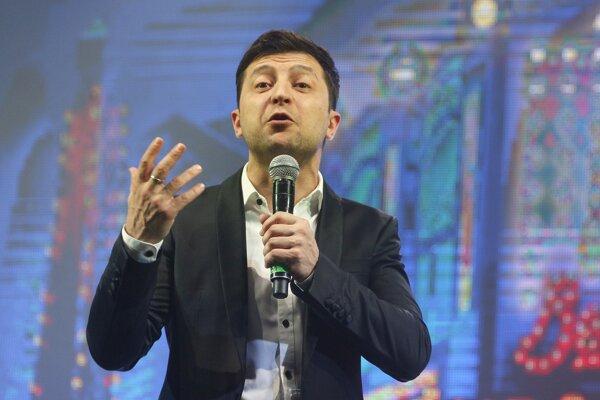 Volodymyr Zelenskyj vyhral prvé kolo volieb.
