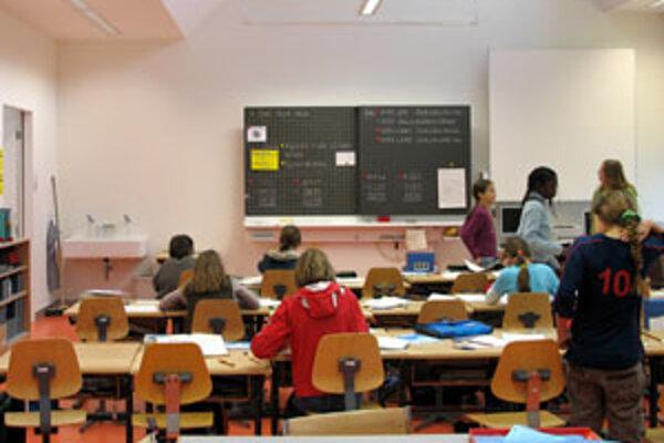 Cieľom testovania je zmapovať úroveň vedomostí všetkých deviatakov v jednotlivých vyučovacích predmetoch.
