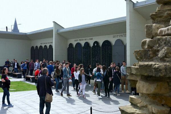 Pamätník holokaustu v Bardejove