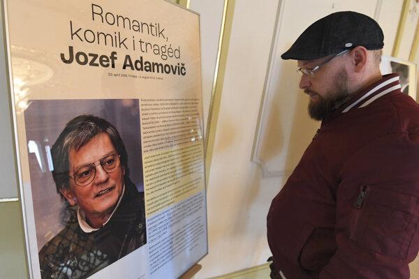 Výstava v Štátnom divadle Košice venovaná Jozefovi Adamovičovi bude sprístupnená do 13. mája.