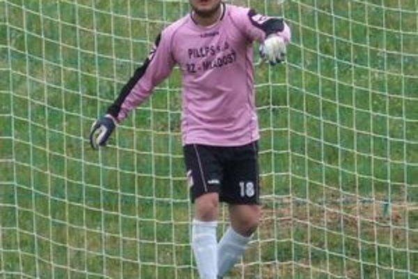 Loptu za chrbát gólmana Ružinej Miščíka poslal v 72. Krivjančin a zrovnal tak skóre na 1:1.