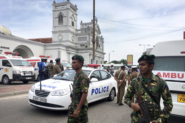 Srí Lankou otriasli výbuchy.