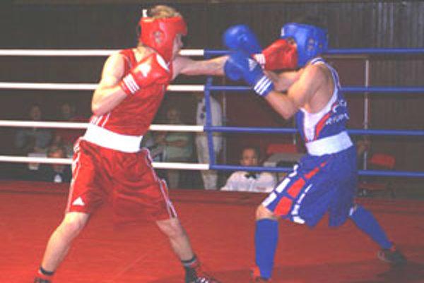 Davod Zold (vľavo) v ringu.