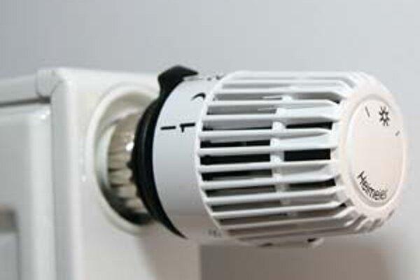 Úrad pre reguláciu sieťových odvetví rozhodol aj o zmene cien plynu určeného na výrobu tepla pre domácnosti.