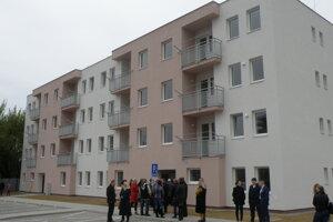 Nová bytovka v Prievidzi.