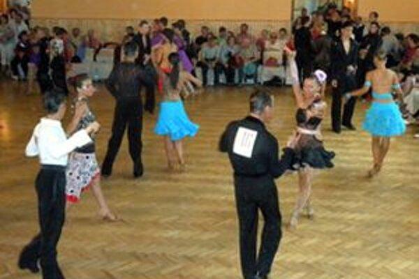 V Mýtnej sa predstavilo 250 tanečných párov zo Slovenska a Maďarska.
