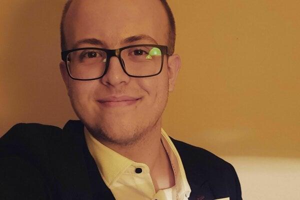 Mladý žarnovický poslanec (21).