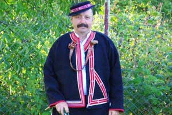 Jozef Samaš už tridsať rokov zabáva svadobných hostí.