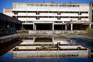 Rozostavaná nemocnica v roku 2012.