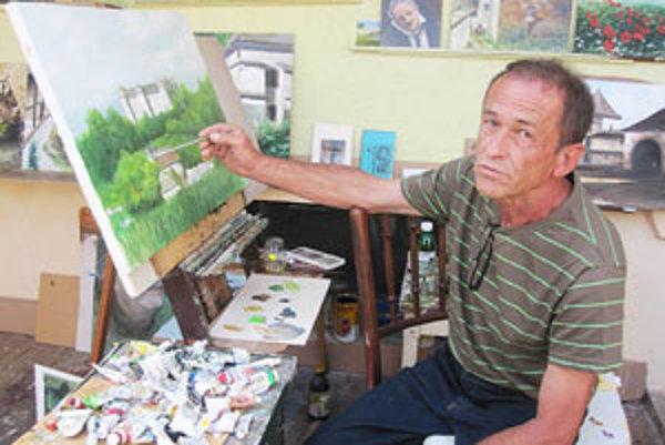 Vo svojom ateliéri trávi Ivan jamnický dlhé hodiny.