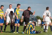 Rozhodca Dušan Kopačka nariadil v zápase až štyri penalty (1 - 3).