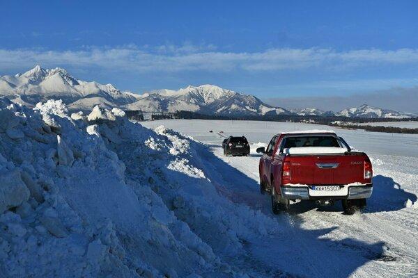 Veľa snehu počas ostatnej zimy spôsobilo problémy.