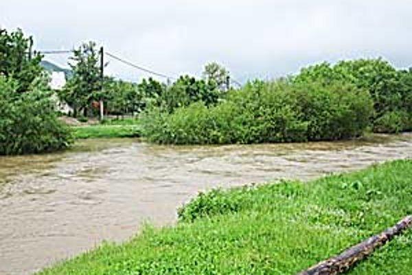 Povodne v minulých rokoch potrápili mnohé obce.