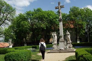 Kríž na Cyrilometodskom námestí.