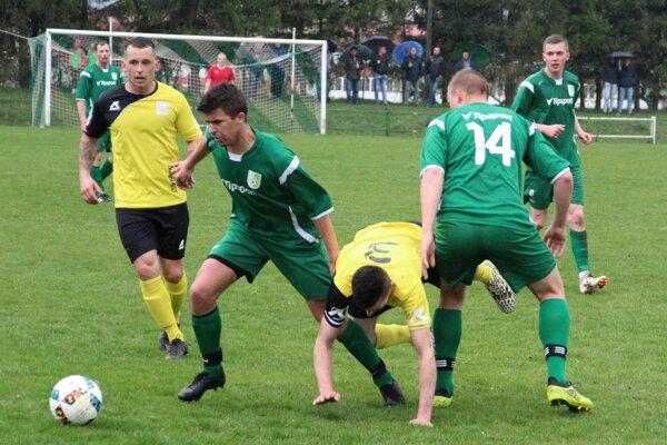 Susedské derby v Jasenici rozhodol jediný gól.