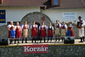 Slováci žijúci v zahraničí sú svoje tradície uchovávajú.