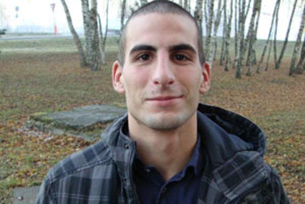 Michal sa venuje tiež trénovaniu mladých zápasníkov a na súťažiach pôsobí aj ako rozhodca.