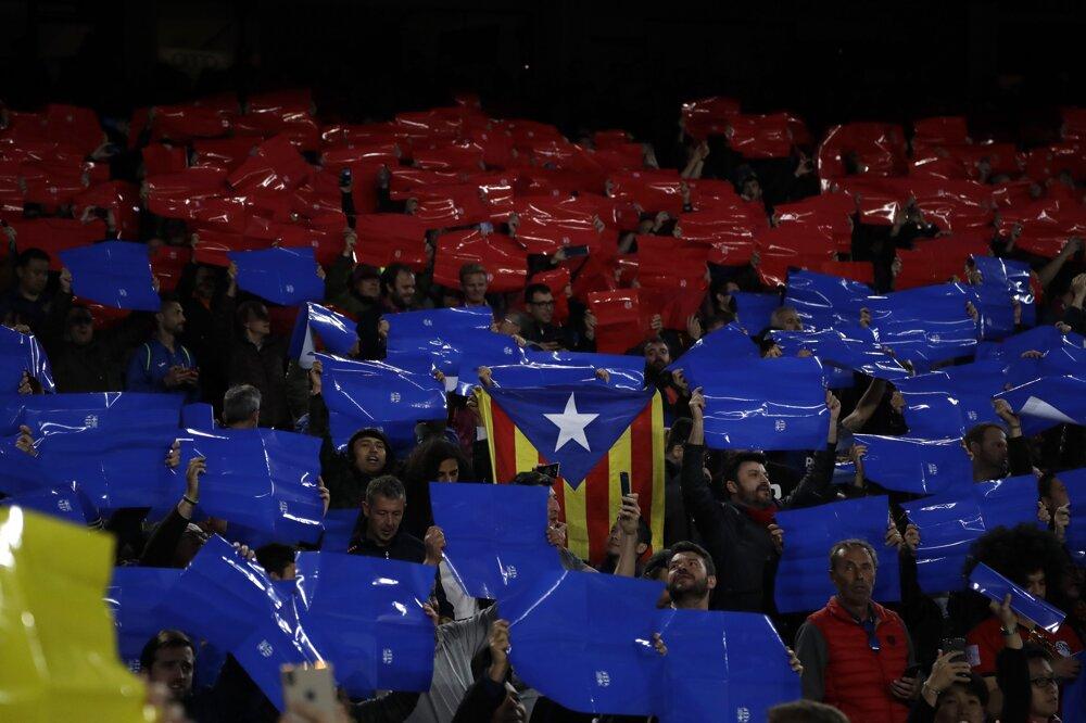 2f64c564bb Liga majstrov - semifinále  Najlepšie momentky zo zápasu FC Barcelona - FC  Liverpool. 1 24. Zväčšiť Všetky fotky. Fanúšikovia Barcelony pred  stretnutím.