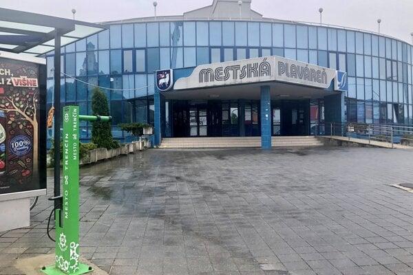 Mestská plaváreň v Trenčíne.
