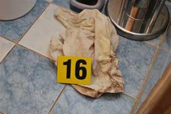 Mŕtvu ženu našli v rodinnom dome.