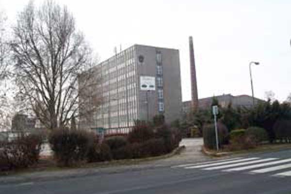 Začiatkom decembra minulého roku si majetok skrachovaných sklární Slovglass, s.r.o. Poltár prevzal nový majiteľ.