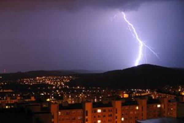 Búrky môžu spôsobiť škody menšieho rozsahu.