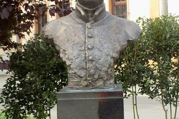 Busta Juraja Holčeka v Jasovej.