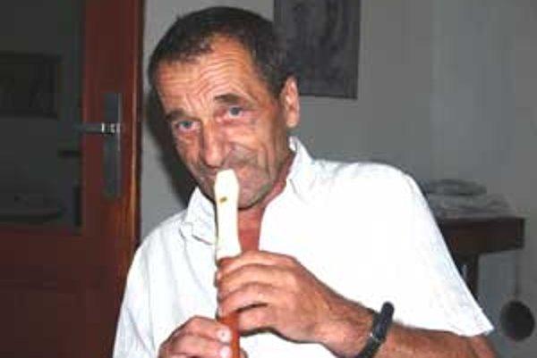 Turecká píšťaľa vydáva prenikavý zvuk a Turci sa pomocou neho dorozumievali.