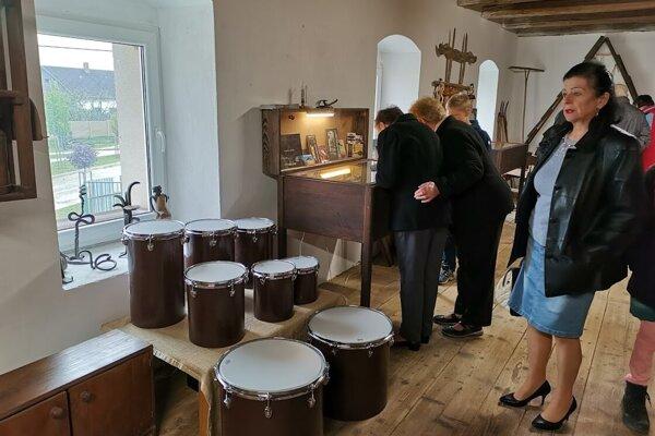 V tejto časti si môžu návštevníci nástroja aj vyskúšať.