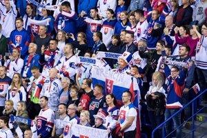 Fanúšikovia Slovenska počas zápasu USA - Slovensko na MS v hokeji 2019.