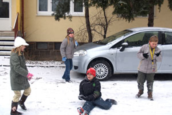 Deti si želajú zasnežené Vianoce.