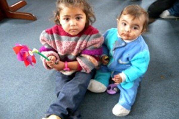 Deti spolu so svojimi matkami našli v krízovom centra počas sviatkov pokoj.