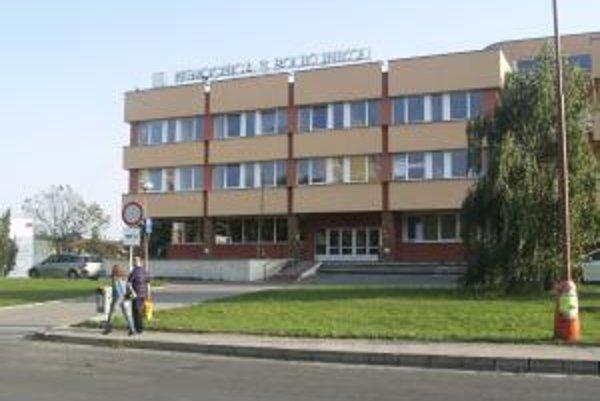 Nemocnica vo Veľkom Krtíši opäť zmenila majiteľa.