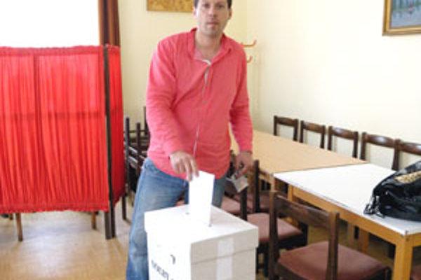 Exprimátor Tornale Ladislav Dubovský prišiel tiež odovzdať svoj hlas.