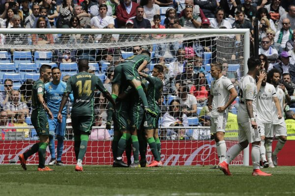 Real Madrid prehral na domácom trávniku s Betisom.