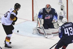 d79eb0b5edce7 MS v hokeji: Momentky zo zápasu Nemecko - USA (24 fotografií)