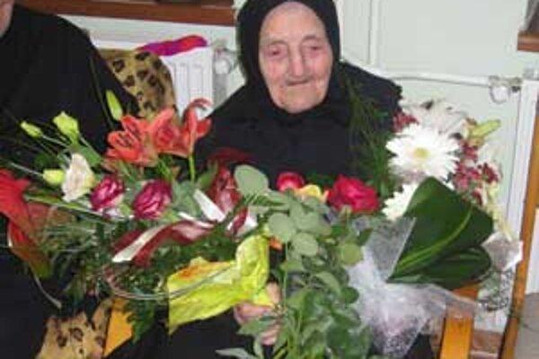 Jolana Farkašová v piatok oslávila neuveriteľných 102 rokov.
