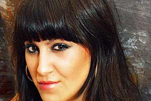 Mladá speváčka si vie fanúšikov podmaniť svojou charizmou.
