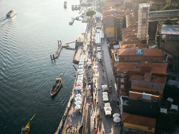 Pohľad na Ribeiru z mosta Ponte Dom Luís I.